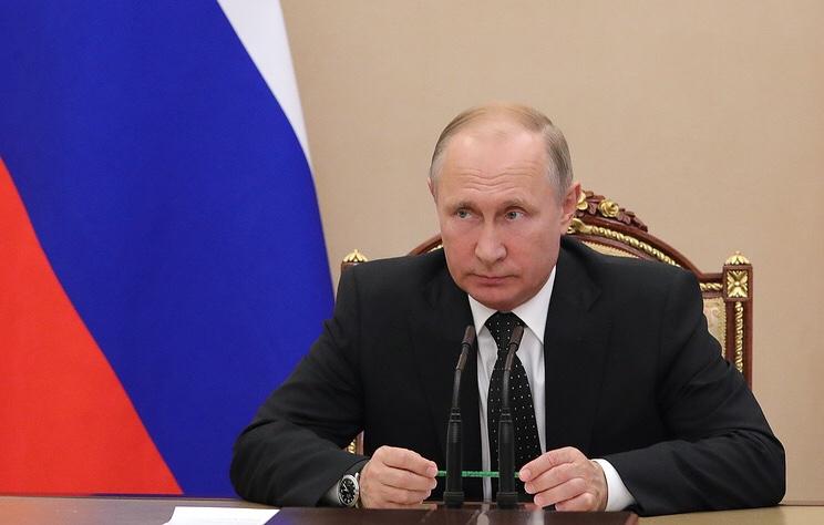 """Число поступивших вопросов к """"Прямой линии"""" с Путиным составило почти 690 тысяч"""