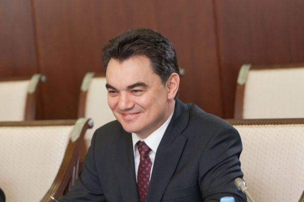 Мэр Уфы поздравил Айсена Николаева с назначением врио главы Якутии