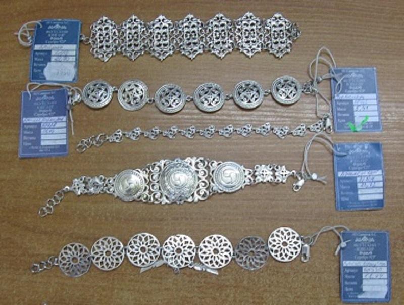 Бурятские таможенники выявили контрабанду якутских бриллиантов