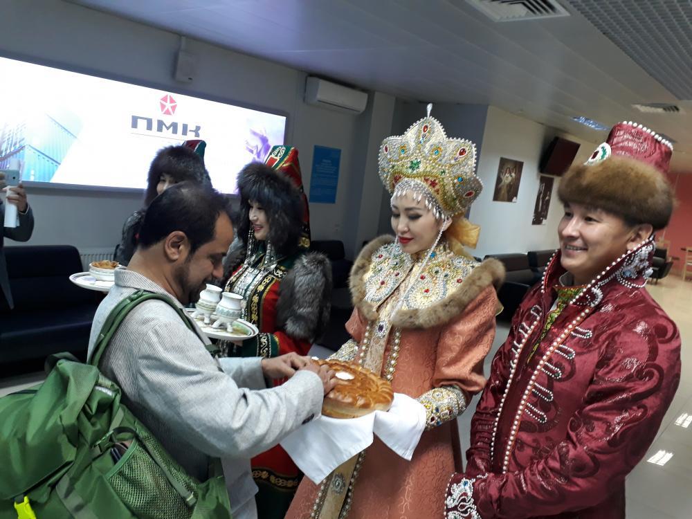 В Якутию приехал непальский хирург Басант Пант
