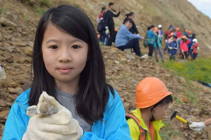 Как школьники из Гонконга искали трилобитов в Якутии