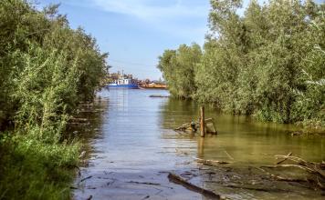Большая вода начала спадать