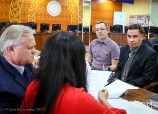 Владимир Богданов подал документы для регистрации на пост главы Якутии