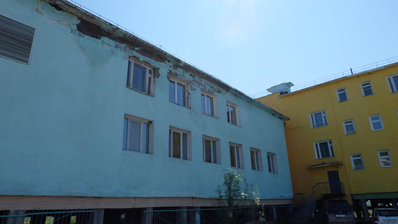 Ремонт аварийного здания Кангаласской школы завершат к середине октября
