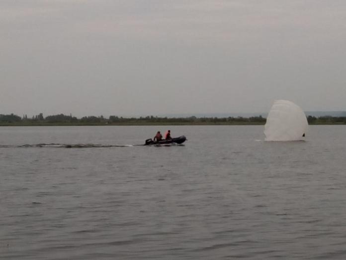 На озере Круглом состоялась тренировка парашютистов
