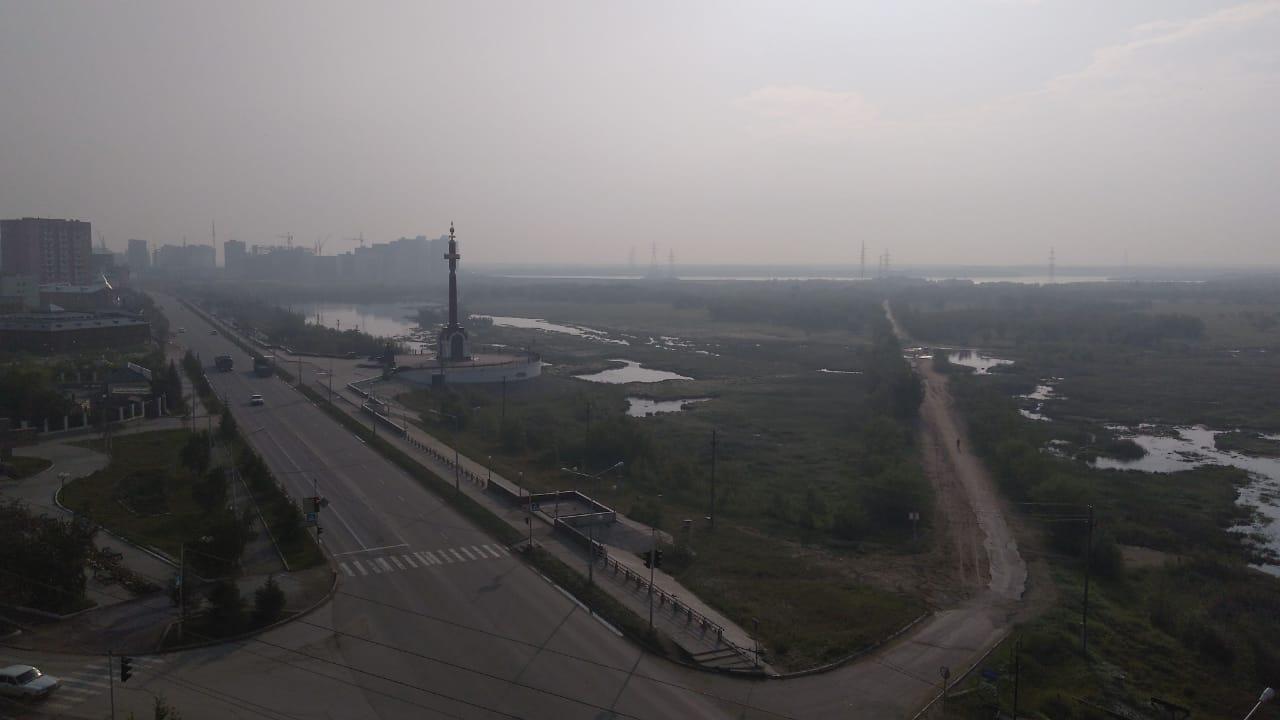 Якутск заволокло дымом от пожаров в Красноярском крае и западных улусах