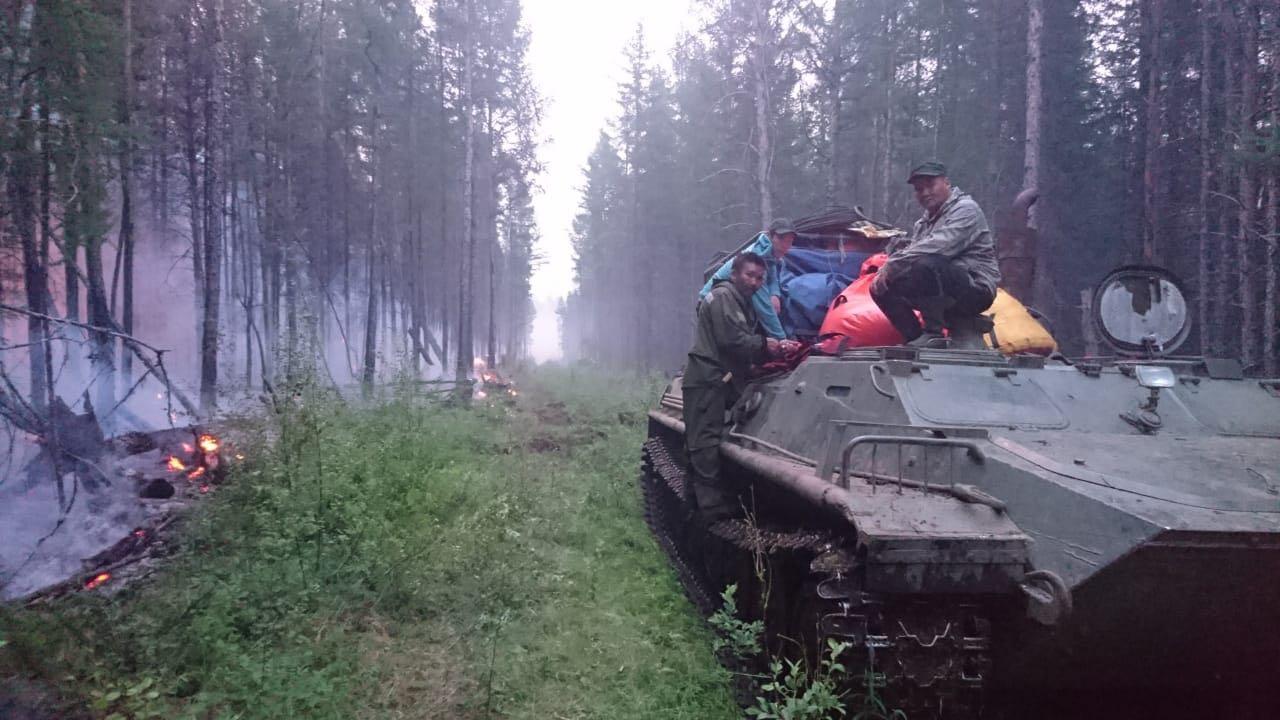 Самолет Бе-200 привлечен натушение лесного пожара вКобяйском районе Якутии
