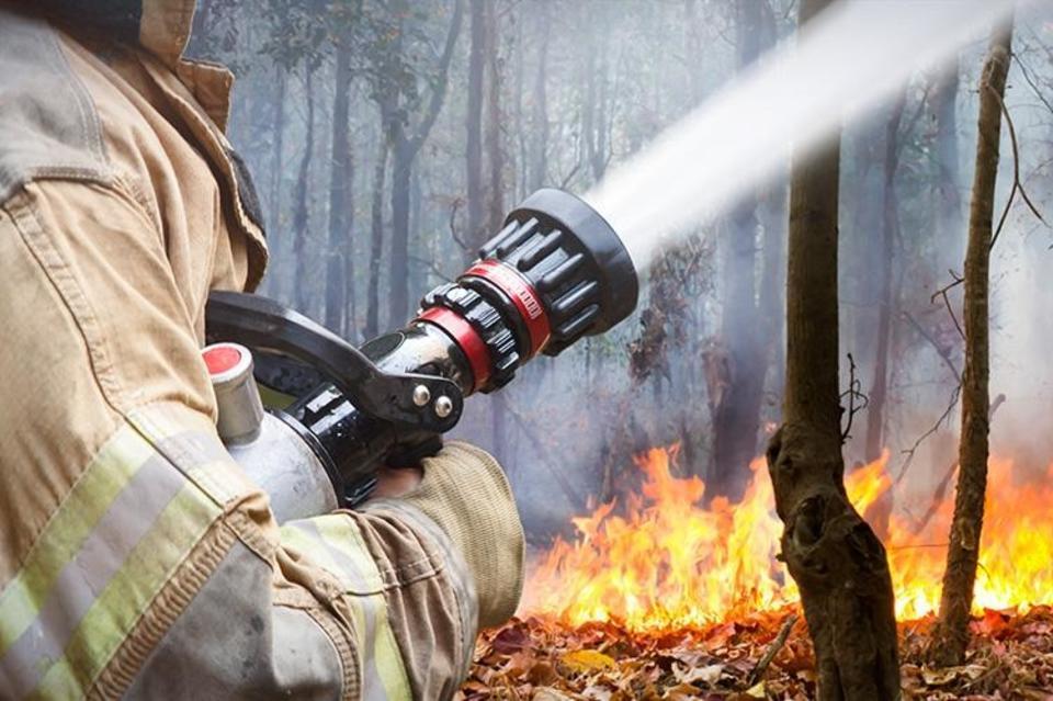 За прошедшие сутки в Якутии ликвидировали 13 лесных пожаров