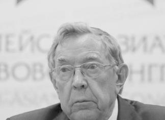 Айсен Николаев выразил соболезнование в связи с кончиной Вениамина Яковлева