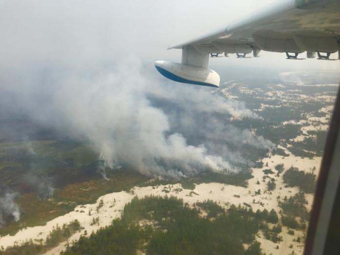 На лесные пожары Якутии авиация вылила свыше 3 тысяч тонн воды