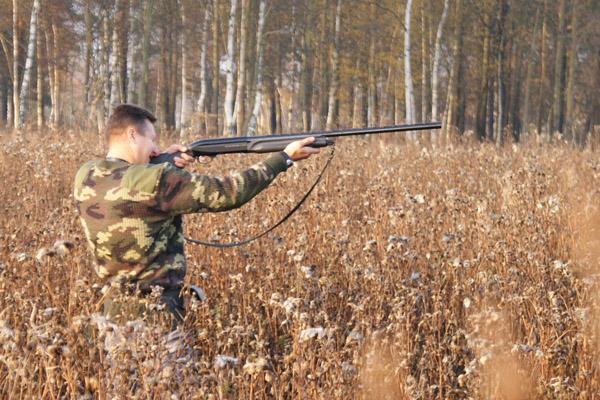 Охотникам разрешили снаряжать патроны для длинностволов