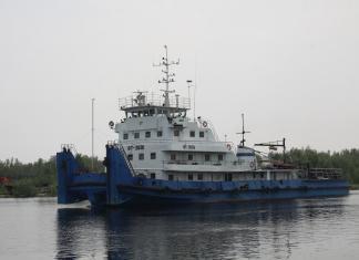 Суда ЛОРПа доставят 300 тысяч тонн грузов в северные районы