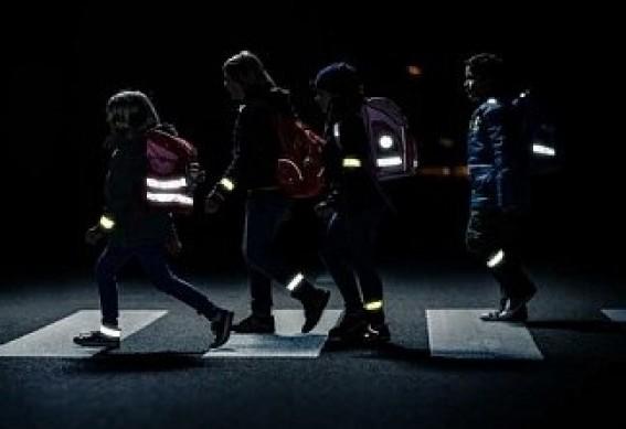 Школьников Якутии обеспечат светоотражателями для защиты от автомобилистов