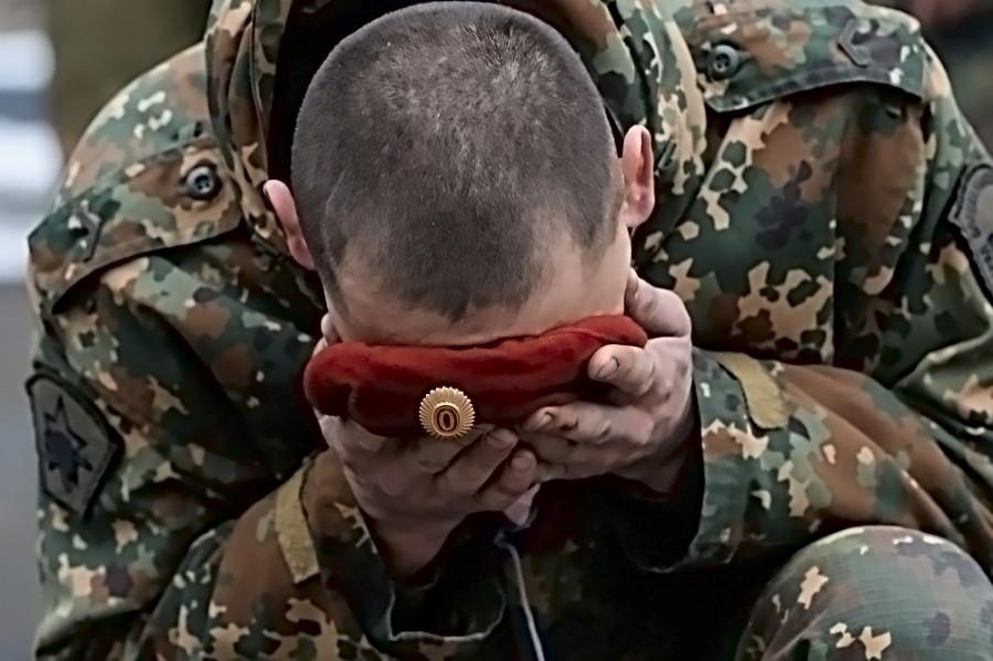 Офицер якутского СОБРа сдал экзамен на право ношения крапового берета