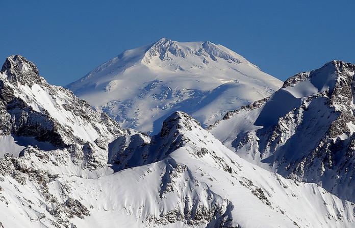 На Эльбрусе нашли тело альпинистки, погибшей 31 год назад