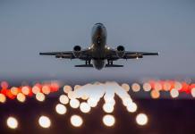 Президент подписал закон по обнулению НДС для авиаперевозок на Дальний Восток