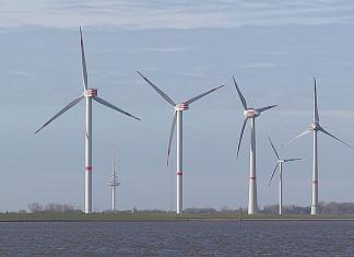 В Тикси приступили к монтажу ветроустановок для ветропака