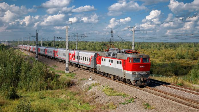 Руководство республики поздравило якутян с Днем железнодорожника