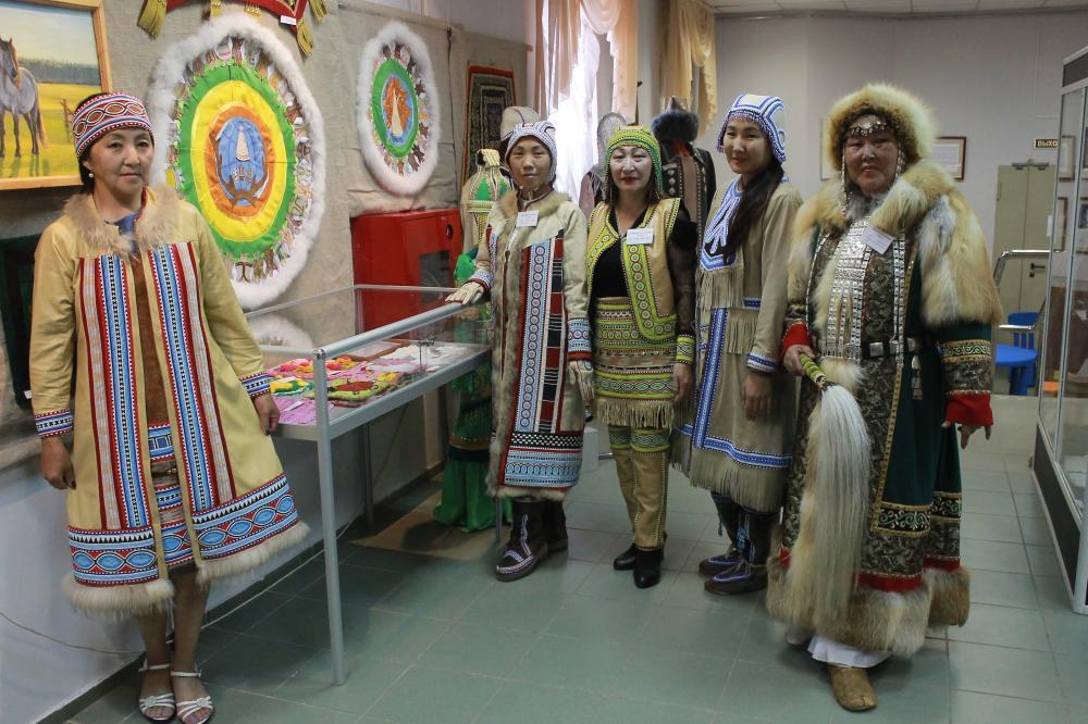 В Якутске открылась выставка памяти молодой народной мастерицы республики Айталины Хабаровской
