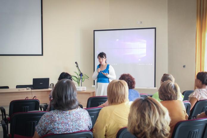 Школа ответственного родителя провела тренинг для делегатов форума женщин