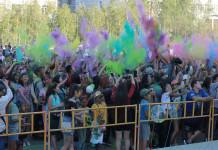 На благотворительном холи-фесте в Якутске собрали 30 тысяч рублей