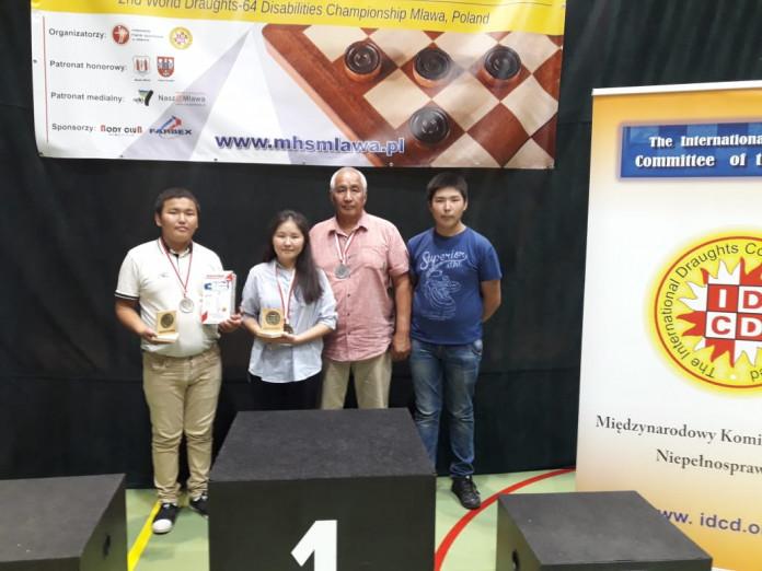Школьники из Якутии стали чемпионами мира по шашка