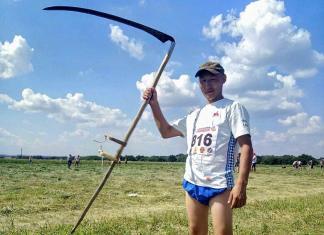 Первый из ста: Якутянин Вячеслав Окороков одержал победу в конкурсе косарей