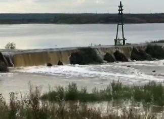 АЛРОСА продолжает работы по ликвидации прорыва дамб на реке Ирелях