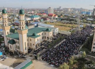 В Якутске отмечают исламский праздник Курбан-Байрам