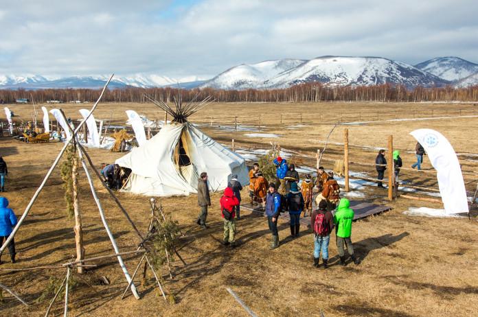 Ученые СВФУ выяснят причины бедности северных общин России, США и Канады