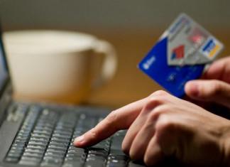 Интернет-мошенники обманули двух пенсионерок в Ленском районе