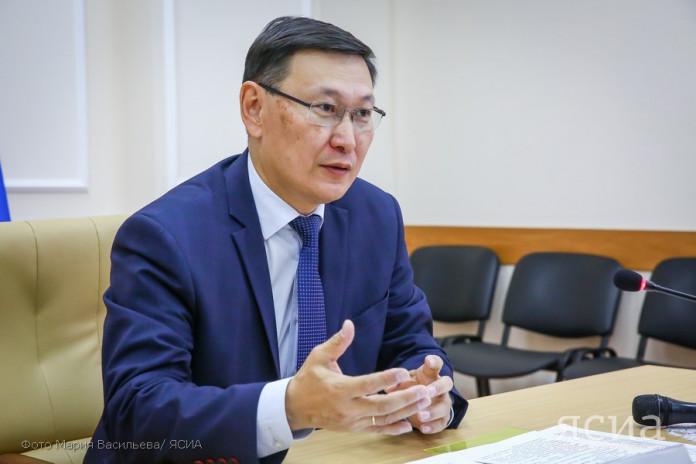 Владимир Егоров отчитался о внедрении в Якутии цифрового образования