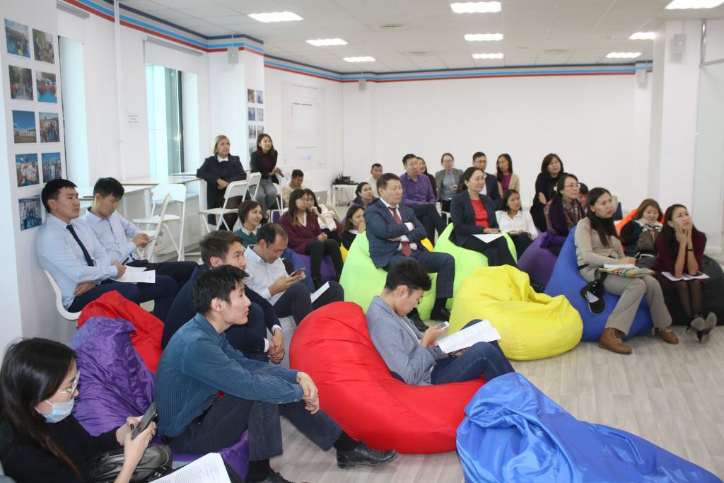Успешные start-up и кибер-мошенники: Сотрудники АЭБ приняли участие в «Точке кипения»