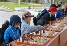 Я выбираю спорт в любую погоду: В Якутске состоялся сеанс одновременной игры по шахматам