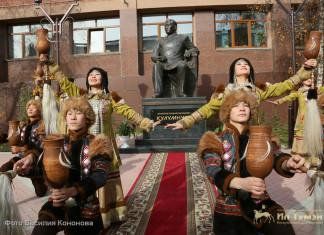 В День государственности республики воздали дань признательности Василию Никифорову-Кюлюмнюр