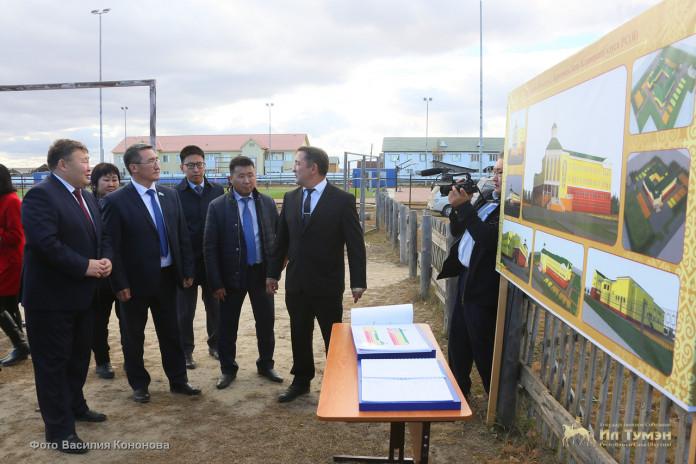 Народные депутаты республики посетили Усть-Алданский улус