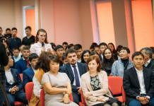 Айсен Николаев пообщался с мирнинской молодежью