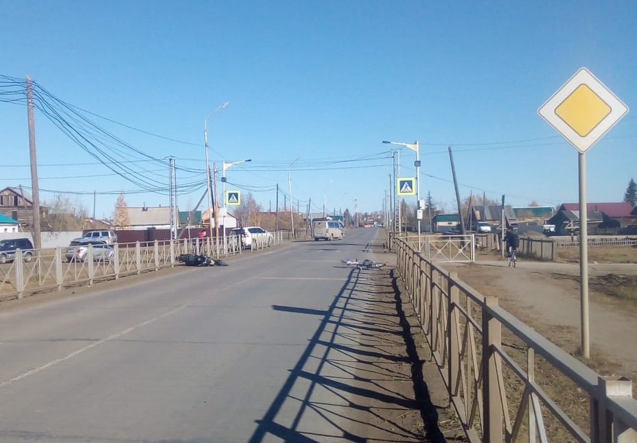 В Якутии мотоциклист без прав сбил ребенка на пешеходном переходе