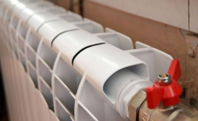 Продолжается запуск тепла в социальные объекты и жилые дома Якутска