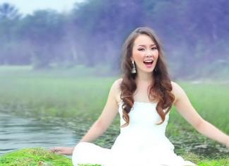 Певица Куннэй оставила пост художественного руководителя театра эстрады Якутии