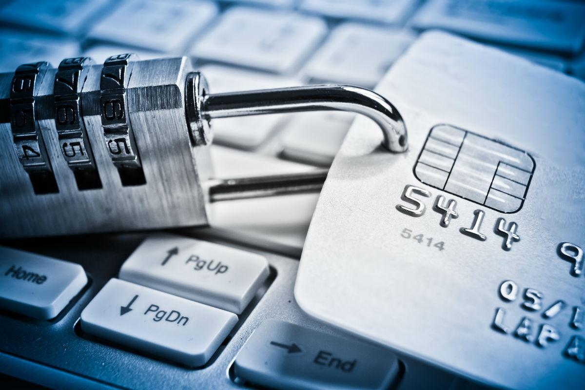 Банки начнут требовать от граждан России  подтверждения «сомнительных» платежей