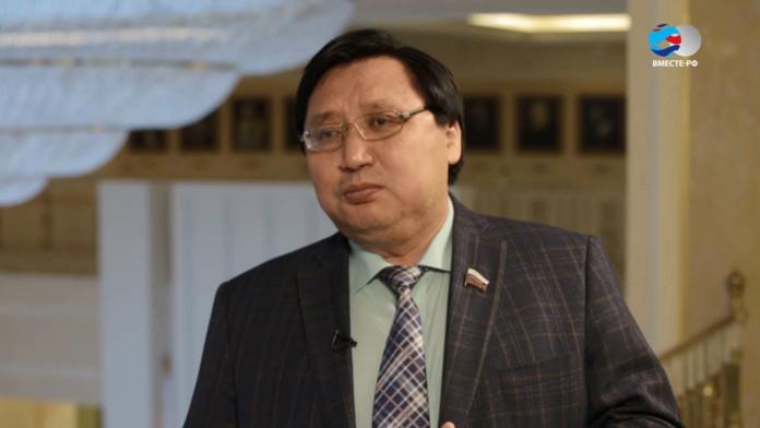 Александр Акимов стал представителем Ил Тумэна в Совете Федерации