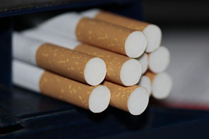 Проигнорировав цифровую технику, воры украли 20 пачек сигарет