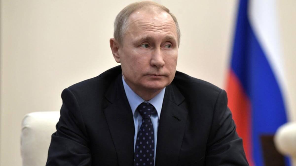 Владимир Путин встретился с ушедшими в отставку руководителями ряда субъектов РФ