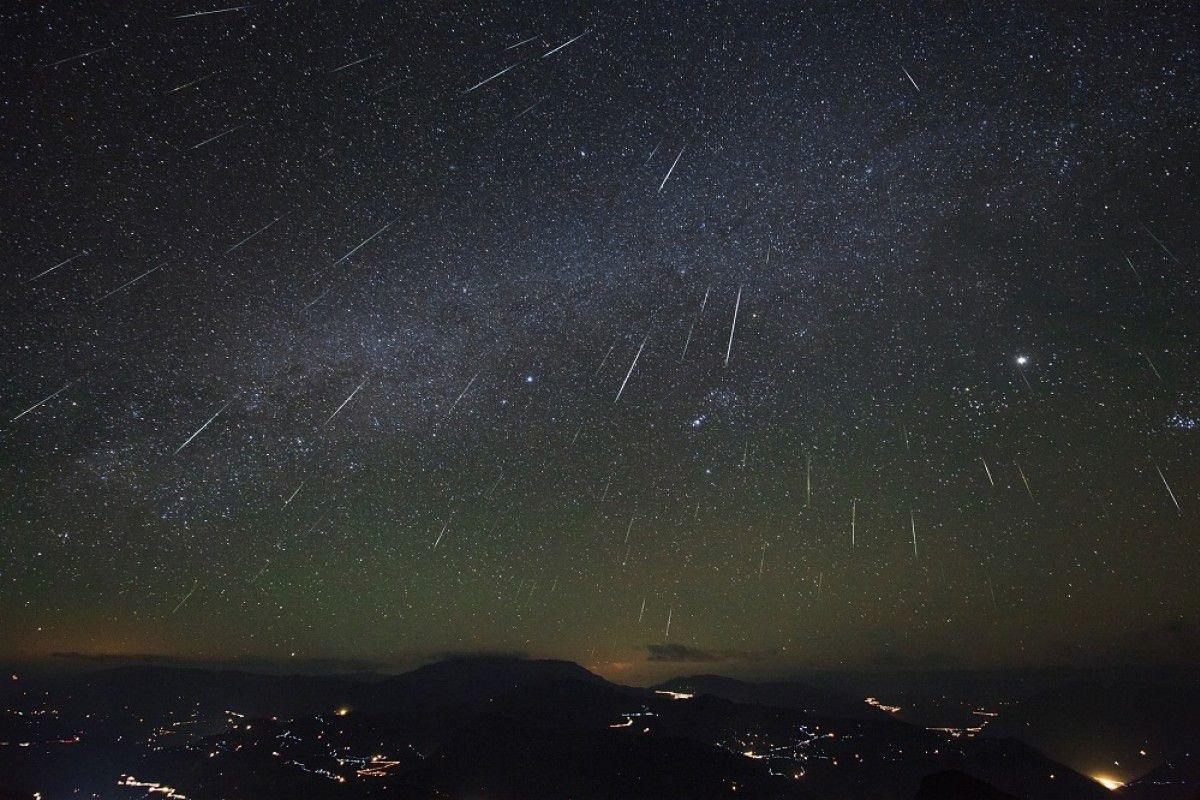 В ночь с 8 на 9 октября смотрите в ночном небе метеорный поток Драконид