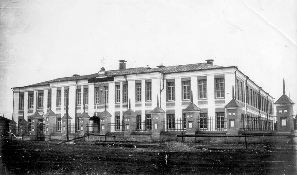 Айсен Николаев поручил продумать, как будет использоваться здание реального училища