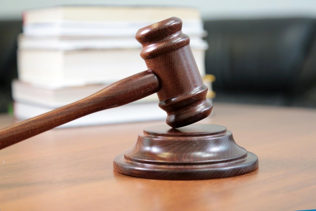 Суд Якутска заменил мужчине обязательные работы на реальное лишение свободы