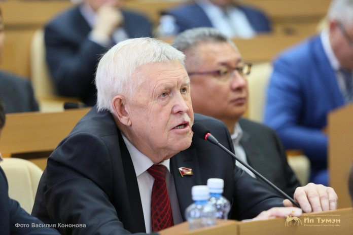 Ил Тумэн утвердил персональный состав комиссии по наградам