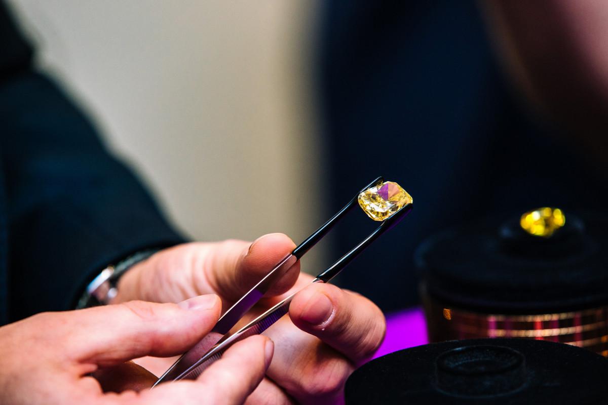 В АЛРОСА отметили стабильный спрос на высококачественные алмазы в апреле