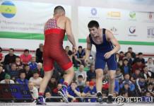 Глава Мирнинского района учредил премии для лучших спортсменов
